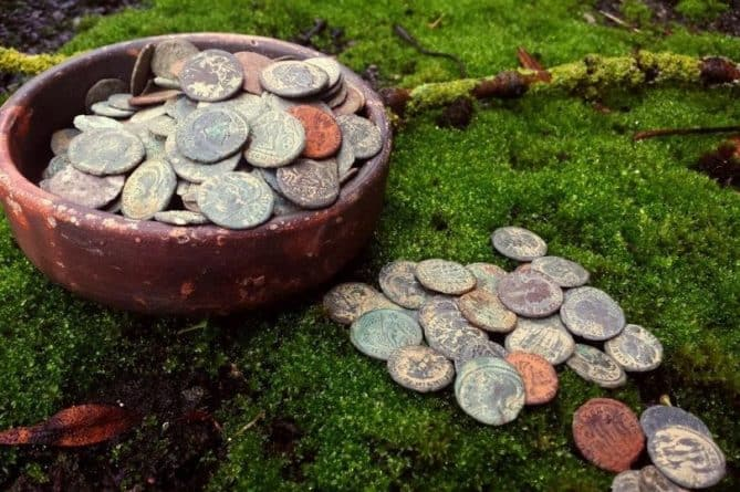 Roman Coin Hoard Spilsby. Lincoln