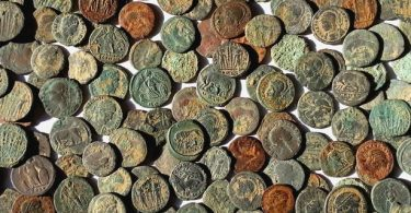 Spilsby Roman Coin Hoard found by detectorists