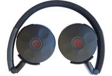 Quest W3 Wireless Headphones Close Up